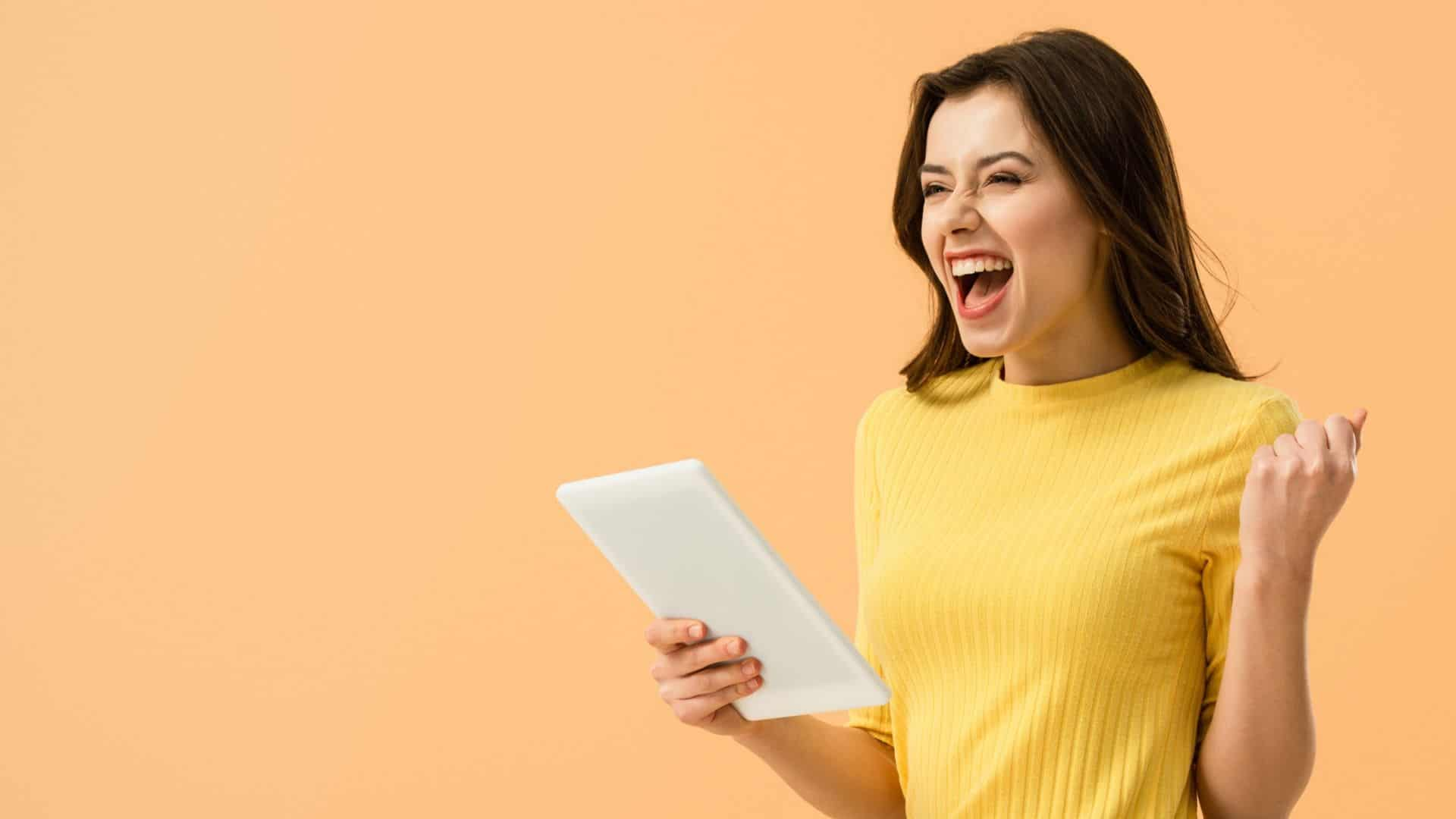 happy girl-30 best affirmations for success