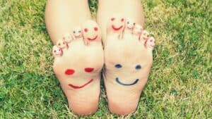feet with happy faces on them-ways to feel good blog