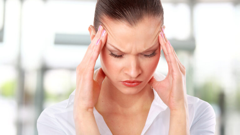 7 Ways to Cure Headaches Naturally